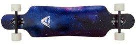 Apollo Nebula Longboard Deck mit Galaxie-Cover und weissen Rollen